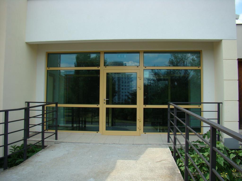 Fenster und Aluminiumvitrinen